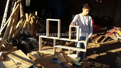 Design d'étagère construit avec des palettes planches 4