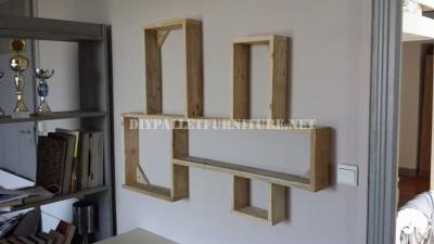 Design d'étagère construit avec des palettes planches 6