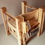 Design intéressant 2 en 1 d'une chaise et bibliothèque avec des palettes