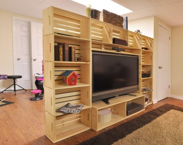 meuble tv construit avec des bo tes de fruitsmeuble en. Black Bedroom Furniture Sets. Home Design Ideas