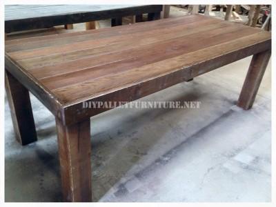 table manger base de palettesmeuble en palette. Black Bedroom Furniture Sets. Home Design Ideas