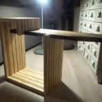 Table design pour la télé construite avec des planches de palettes