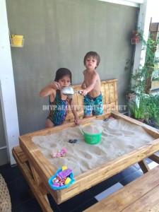 Table et bac sable de palettesmeuble en palette meuble en palette - Bac a sable sur pied ...