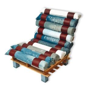 Fauteuil fait avec des palettes et des jeans recyclés 2