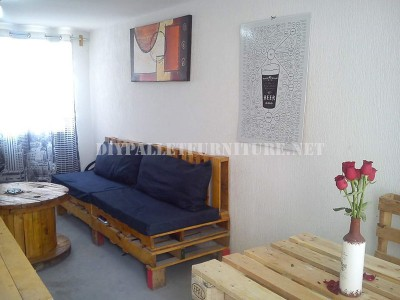 Maison meublée avec des palettes 1