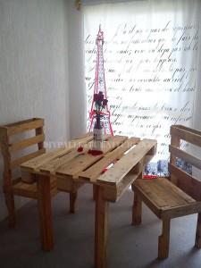 Maison meublée avec des palettes 2