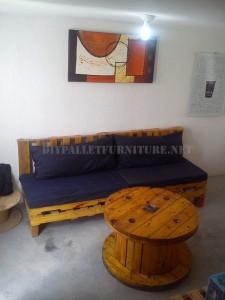 Maison meublée avec des palettes 4