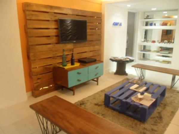 Petit salon meubl avec palettesmeuble en palette meuble for Petit meuble palette