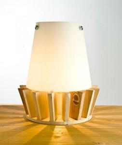 Petite lampe de chevet avec planches de palettes 2
