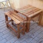 Table et banc avec palettes