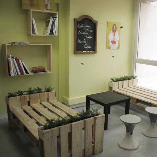 3D plans pour fournir un bureau avec palettes 1