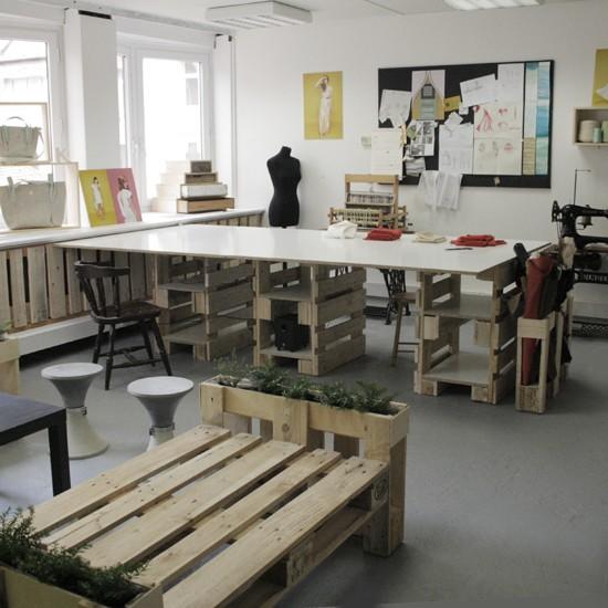 3D plans pour fournir un bureau avec palettes 4