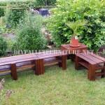 Banc de coin pour le jardin avec des palettes