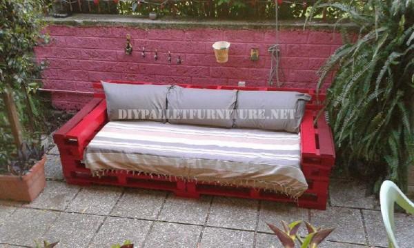 Canapés et fauteuils avec des palettes en plein air 1