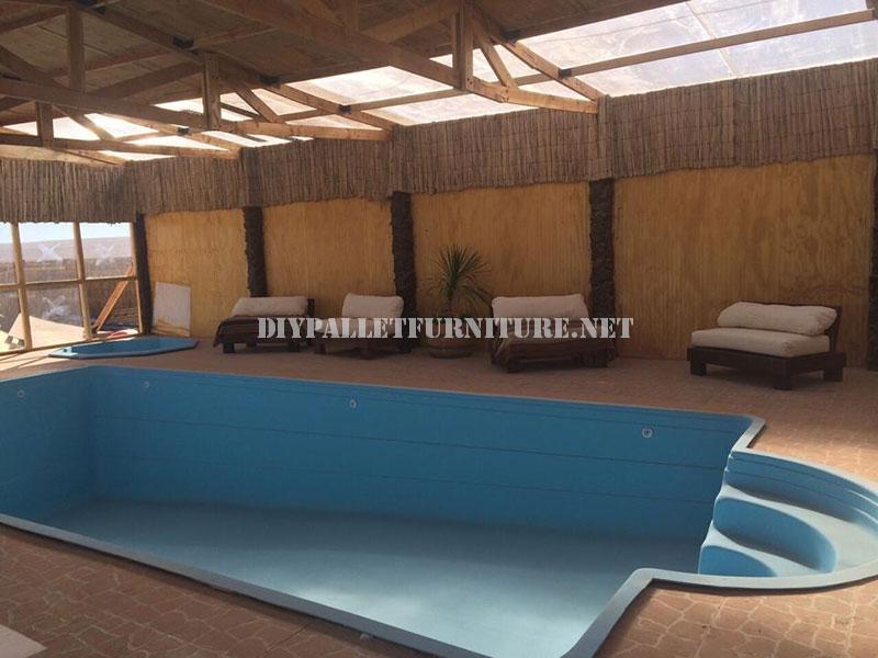 Des exemples de palettes longues pour une piscine 2meuble for Piscine en palette