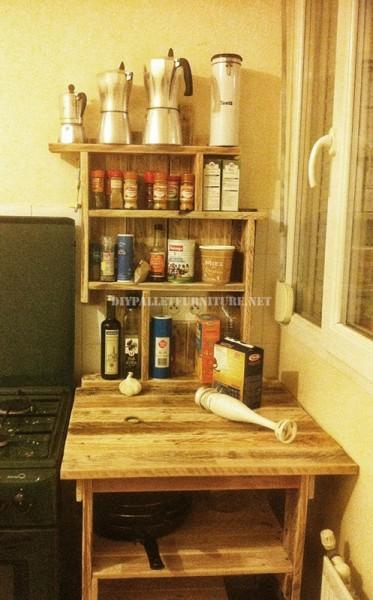 Meuble auxiliaire pour la cuisine avec des palettes 1