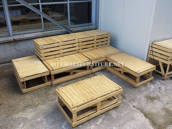 plans pour construire des bancs de palettes modulairesmeuble en palette meuble en palette. Black Bedroom Furniture Sets. Home Design Ideas