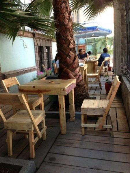 Bar à Casa Fusion, Mexique, entièrement meublée avec des palettes 3