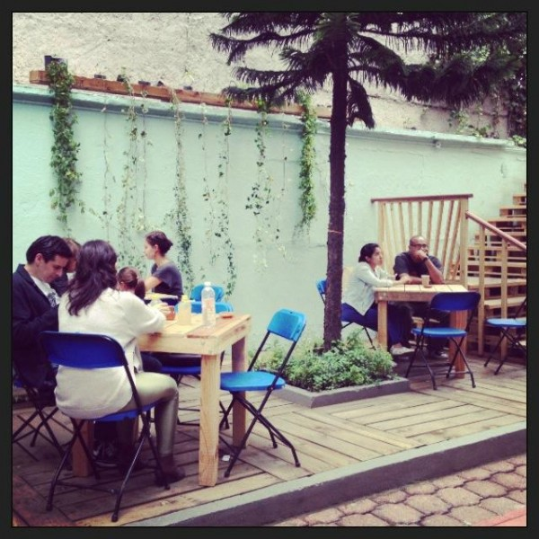 Bar à Casa Fusion, Mexique, entièrement meublée avec des palettes 7