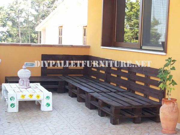 Canapé d'extérieur avec des palettes 2
