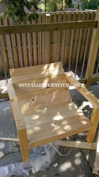 Chaises extérieures de palettes pour la terrasse 4