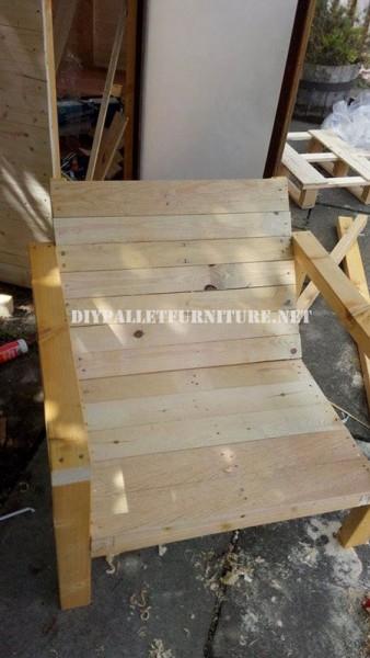 Chaises extérieures de palettes pour la terrasse 5