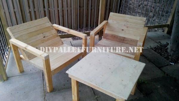 Chaises extérieures de palettes pour la terrasse 6