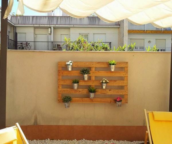 Comme il est facile de créer un jardin vertical avec des palettes! 1