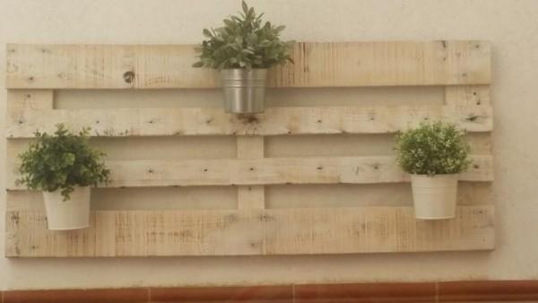 Comme il est facile de créer un jardin vertical avec des palettes! 4