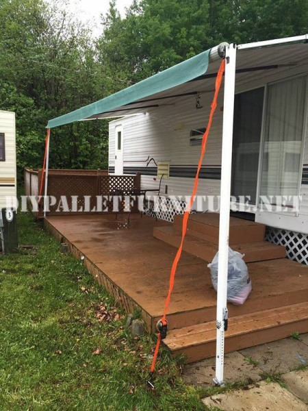Comment décorer la terrasse de votre maison mobile avec des palettes 2