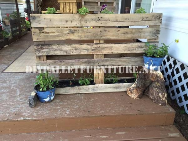 Comment décorer la terrasse de votre maison mobile avec des palettes 5