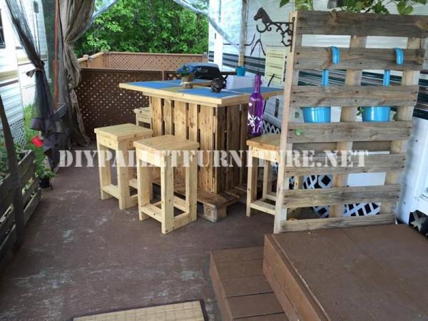 Comment d corer la terrasse de votre maison mobile avec for Terrasse de jardin en palette