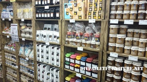 Magasins d'alimentation fournis avec des boîtes de fruits 6