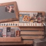 Porte-revues et murale faite avec toute une palette