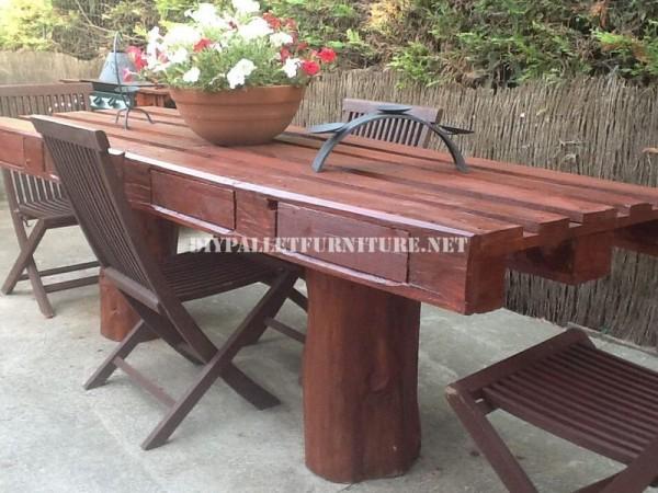 Rustique table de jardin 1