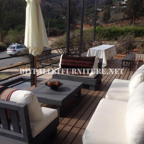 Set de meubles avec des palettes pour la terrasse 2