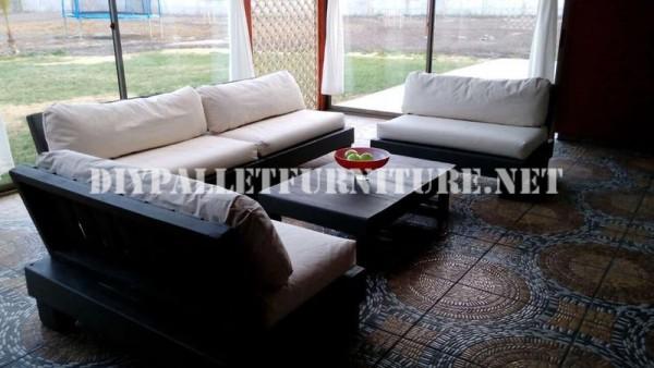 Set de meubles avec des palettes pour la terrasse 6