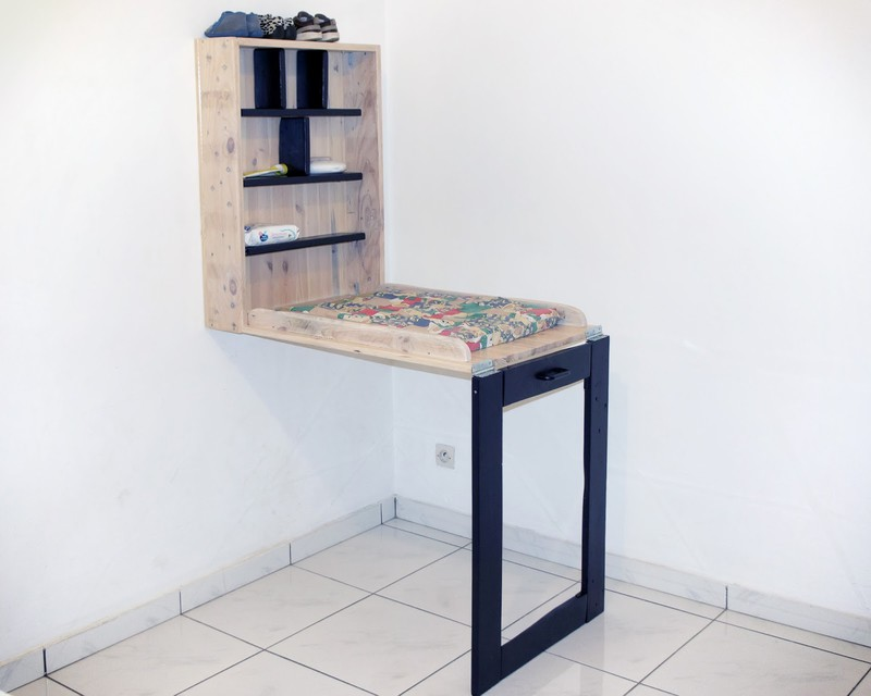Table langer faite de palettesmeuble en palette meuble for Meuble a langer