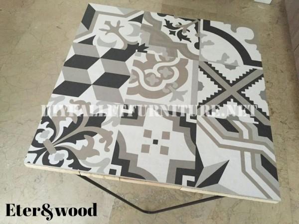 Table de design décoratif faite de planches de palettes 3