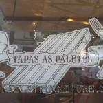 Bar-restaurant meublé utilisant palets à Cascais, Portugal