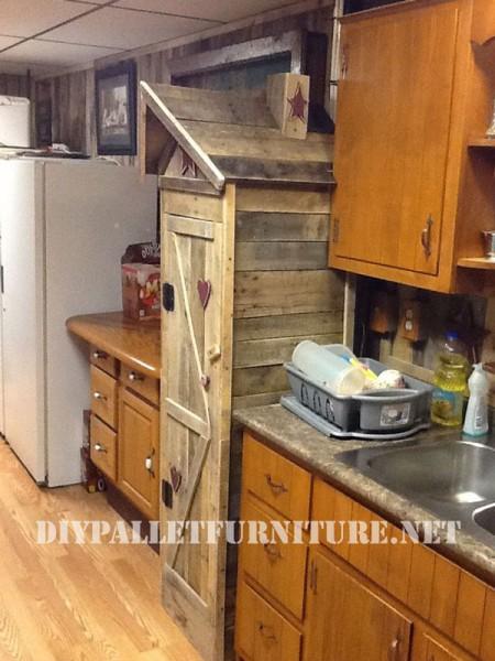 Armoire garde-manger pour la cuisine faite avec des palettes 3