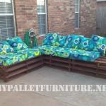 Canapé d'extérieur avec des palettes