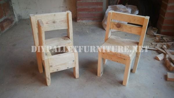 Chaises pour les enfants avec des palettes 2