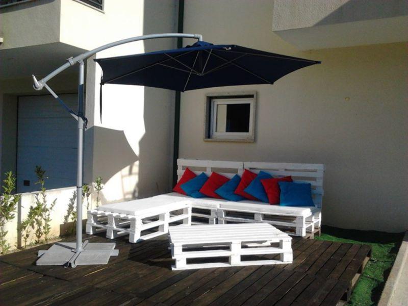Terrasse meublée avec palettes