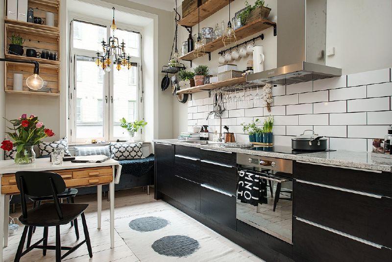 Tag res avec des planches de palettes pour la cuisine for Etagere de cuisine en palette