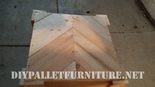Chaise et table pour la terrasse d'Esprit Loft Recup 4
