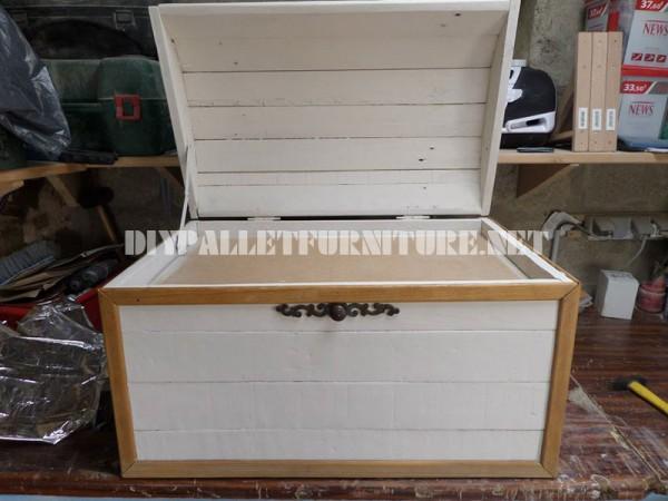 Coffre décorative avec palettes 4