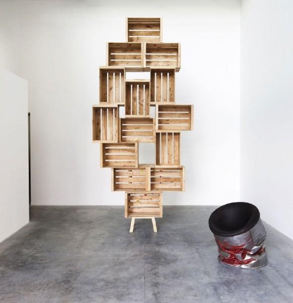 Défier la gravité avec des étagères faites avec des boîtes de fruits 1