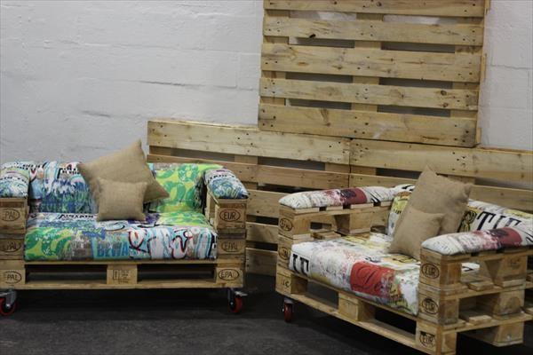 fauteuils design avec seulement 3 palettesmeuble en palette meuble en palette. Black Bedroom Furniture Sets. Home Design Ideas