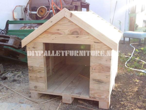 niche construite avec des palettesmeuble en palette meuble en palette. Black Bedroom Furniture Sets. Home Design Ideas